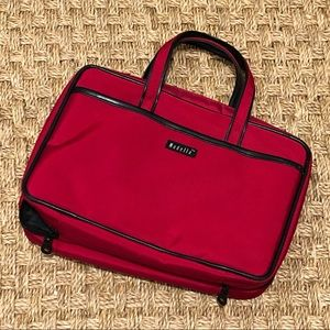 Modela travel bag in red with black trim